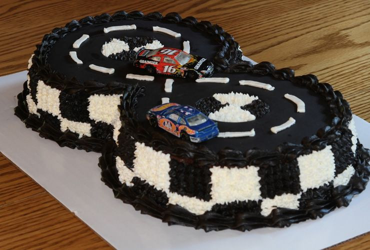 8 Year Old Boy Birthday Party Theme Ideas  More Birthday Cake Ideas for 8 Year Old Boys