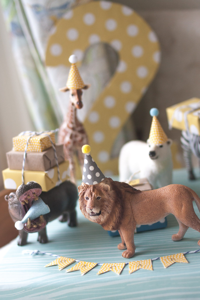 Animals For Kids Party  oscar turns two party animals plaid trousers
