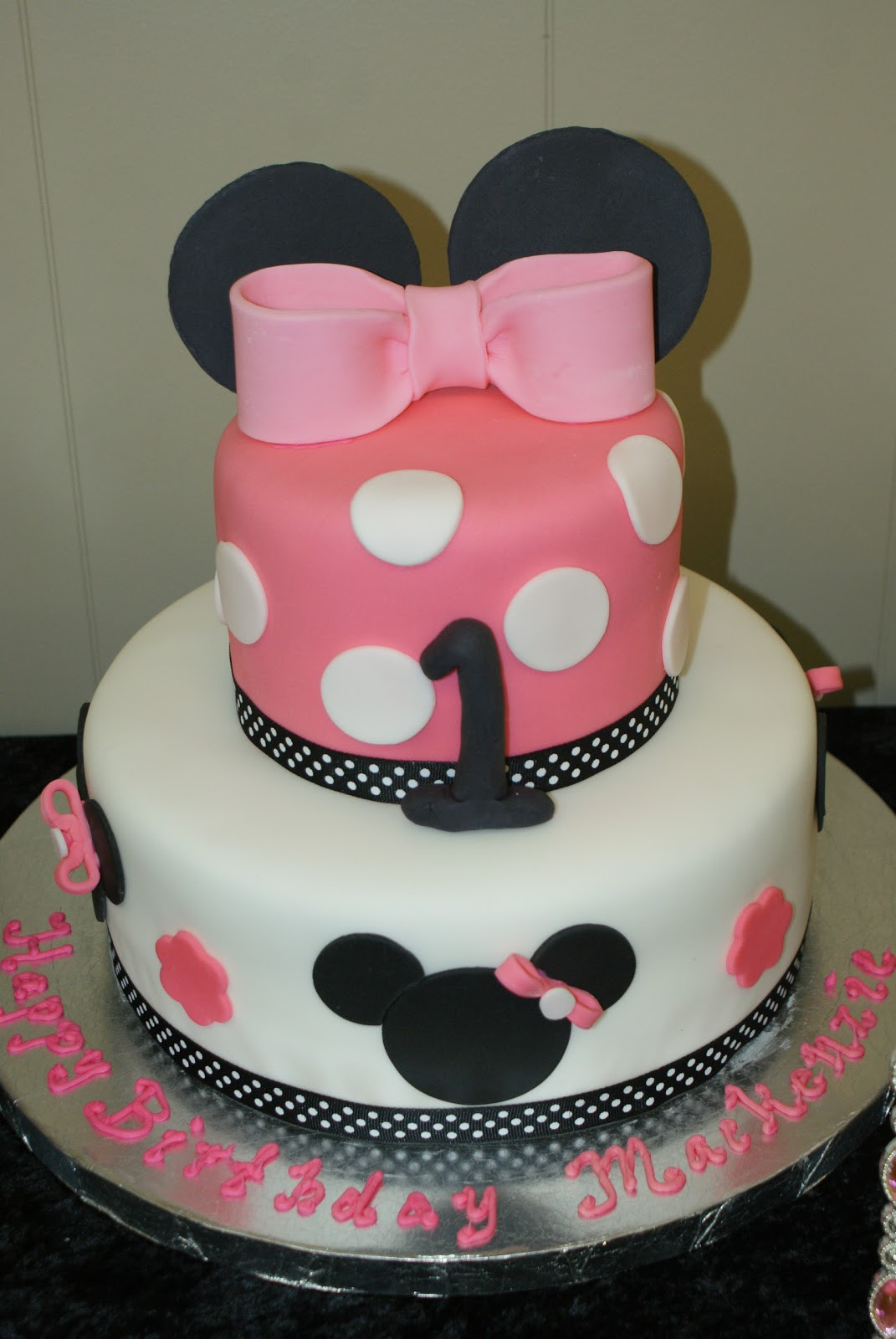 Baby First Party Ideas  Attention Cravers Baby s Minnie 1st Birthday Party