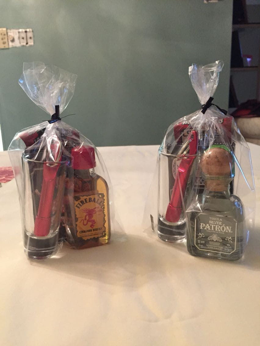 Baby Shower Games Gift Ideas Winners  35 Unique baby shower prize ideas for guests