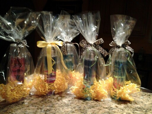 Baby Shower Games Gift Ideas Winners  1000 images about Baby shower prizes on Pinterest