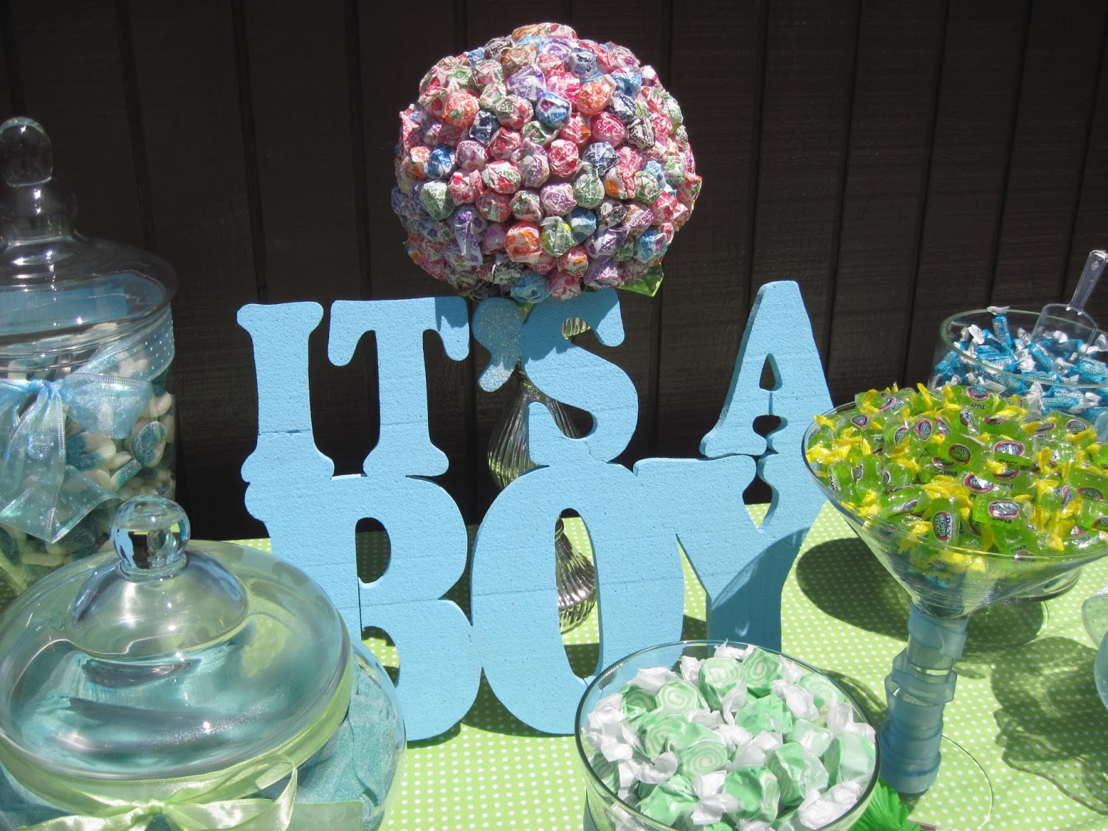 Baby Shower Table Decoration Ideas  31 Baby Shower Candy Table Decoration Ideas