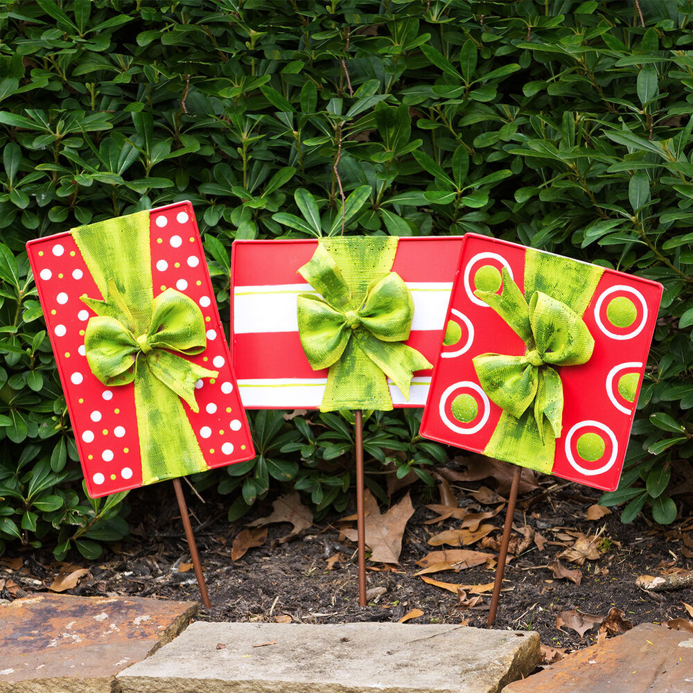 Backyard Christmas Decorations  Outdoor Christmas Present Decorations Set of 3
