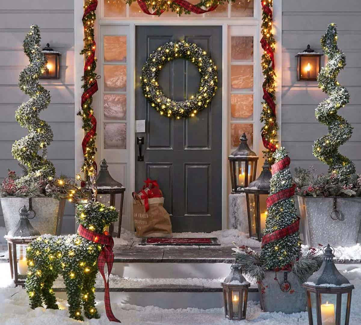 Backyard Christmas Decorations  28 Wonderful Christmas decorating ideas for magical