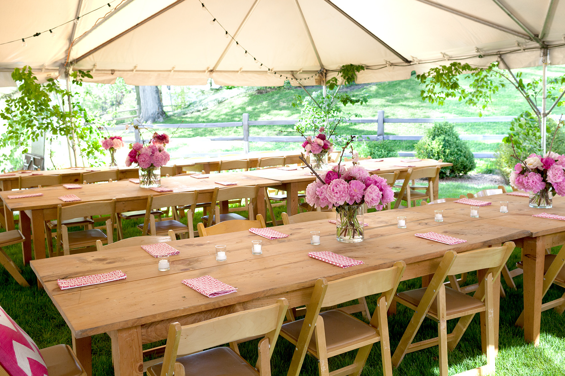 Backyard Table Ideas  Simple Outdoor Party Decorations—for Your Table and More