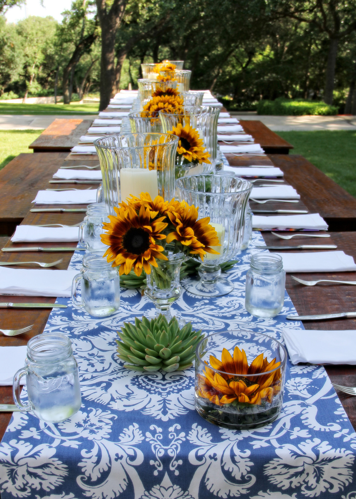 Backyard Table Ideas  50 Outdoor Party Ideas You Should Try Out This Summer