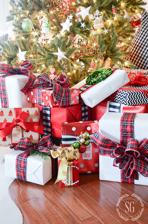 Best Gift Wrapping Ideas  10 VERY BEST CHRISTMAS GIFT WRAPPING TIPS StoneGable