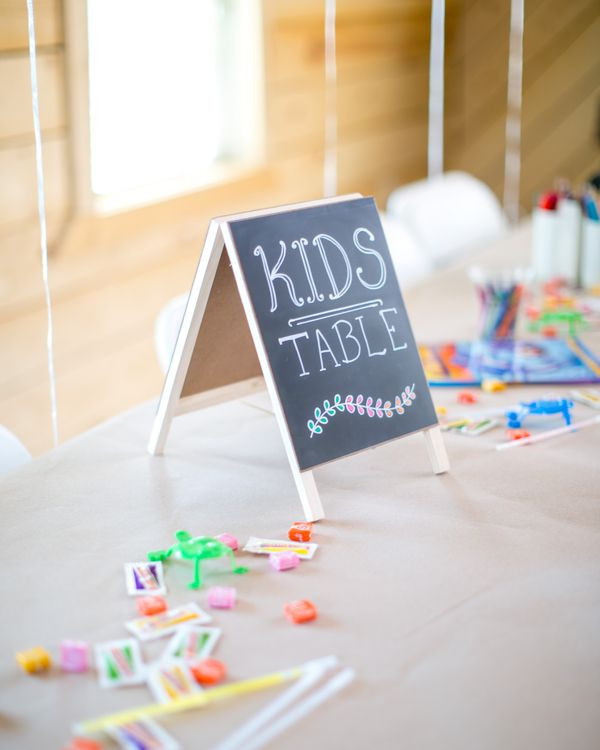 Best Kids Table  The Best Kids Table Ideas For Your Wedding Rustic