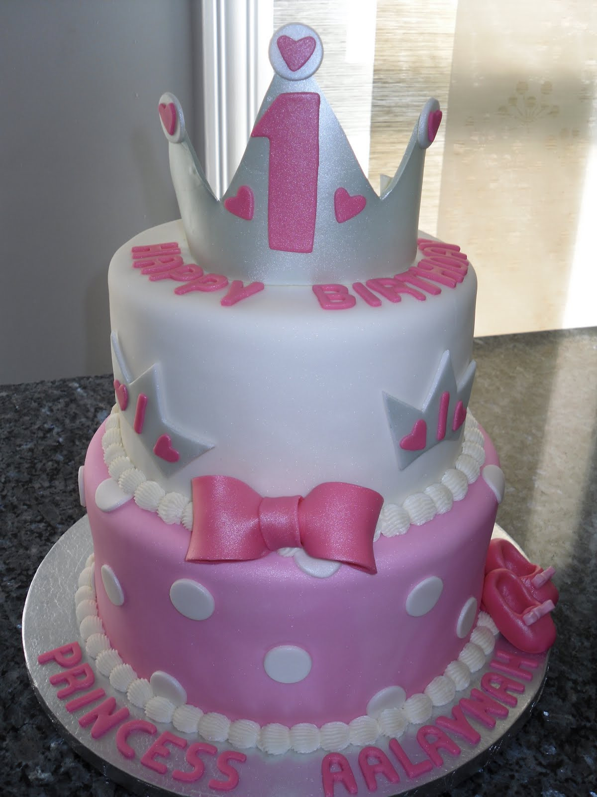 Birthday Cake For 1 Year Old  Carat Cakes Two Very Special e Year Old Birthdays