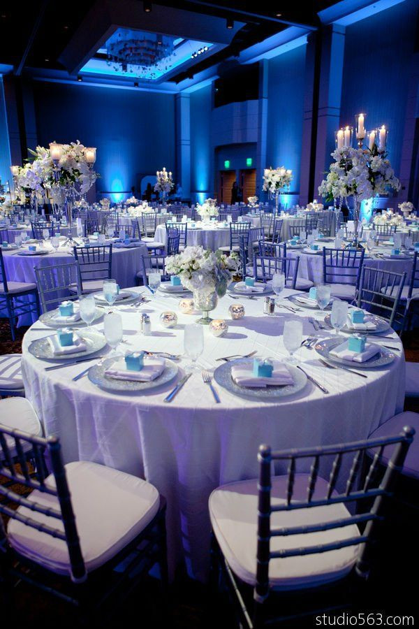 Blue And White Wedding Decorations  41 Brilliant Blue and White Winter Wedding Ideas