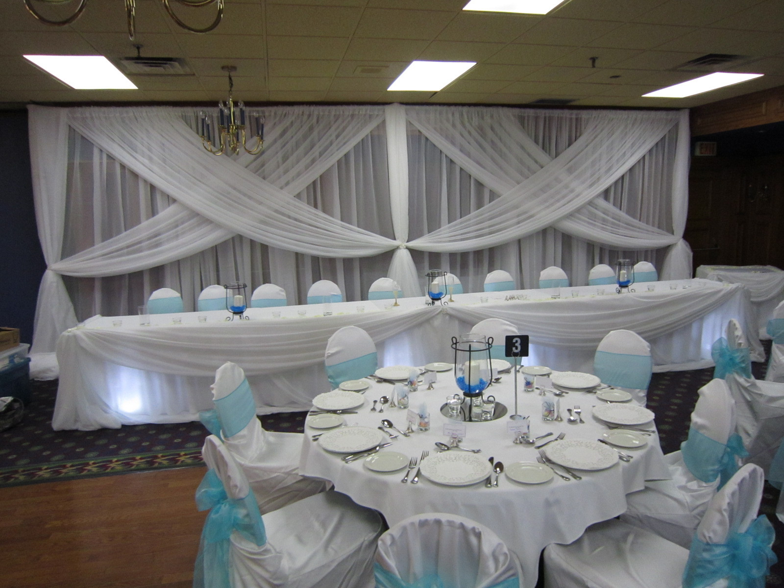 Blue And White Wedding Decorations  White Wedding with a touch of Blue