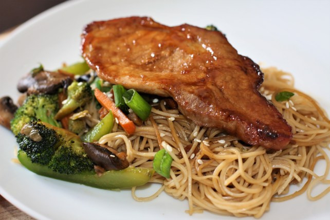 Chinese Fried Pork Chops  Chinese style pork chops with stir fried noodles and veg