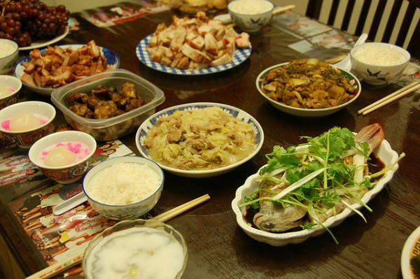 Chinese New Year Dinner  Chinese New Year s Eve Traditions eDreams Travel Blog