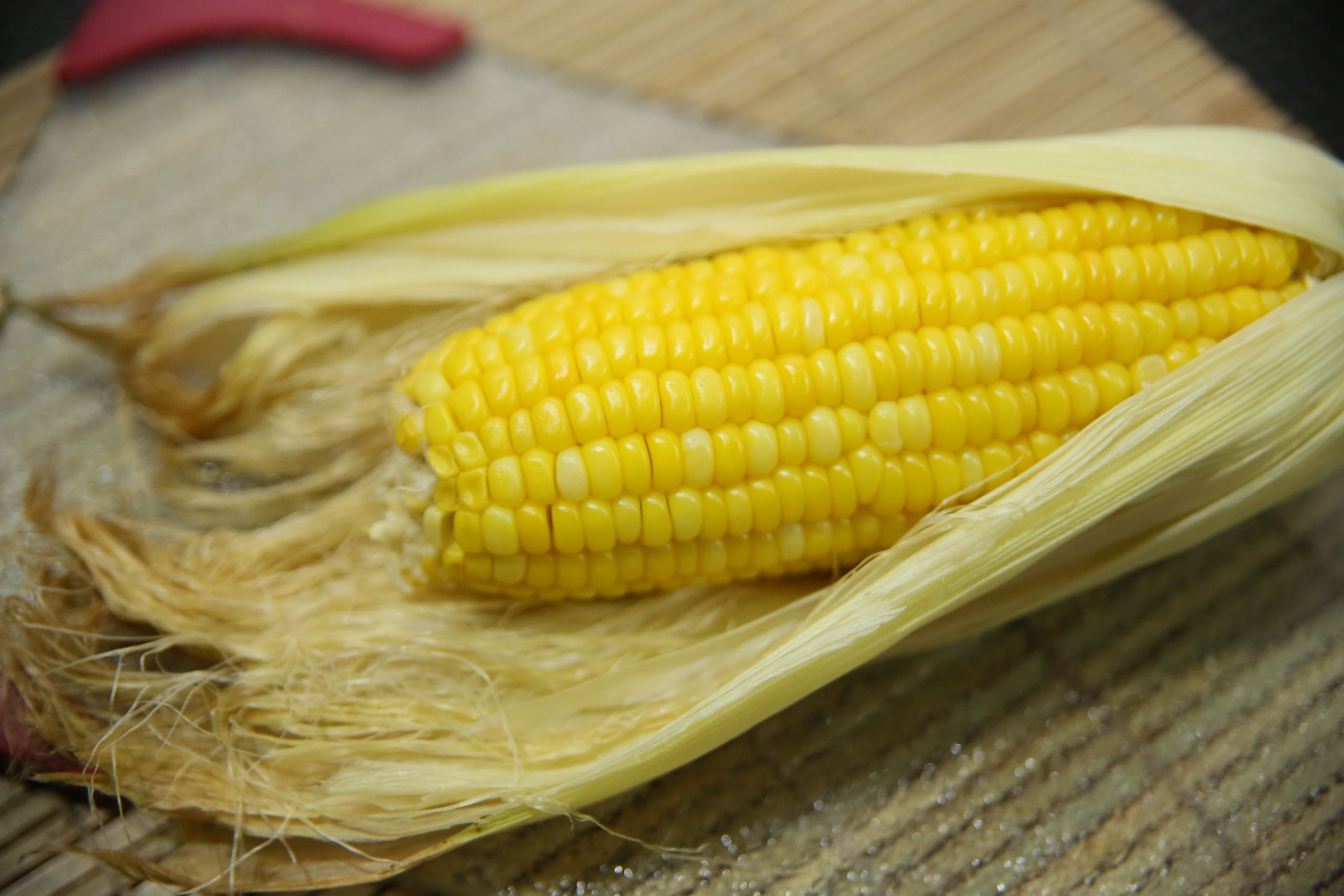 Corn In The Microwave  How to Microwave Corn in Its Husk 6 Steps with