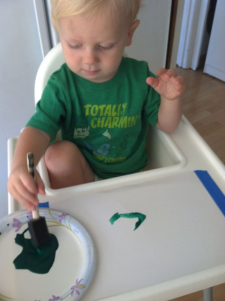 Crafts For Young Toddlers  35 best images about Toddler Color Green on Pinterest