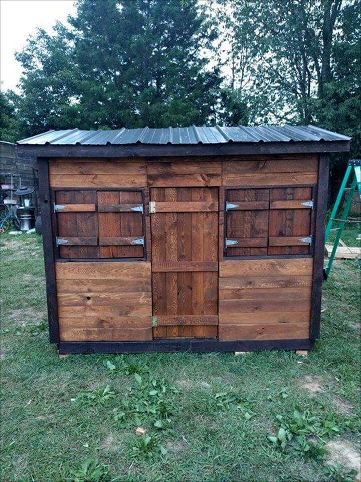 DIY Kids Clubhouse  DIY Pallet Clubhouse or Playhouse for kids Easy Pallet Ideas