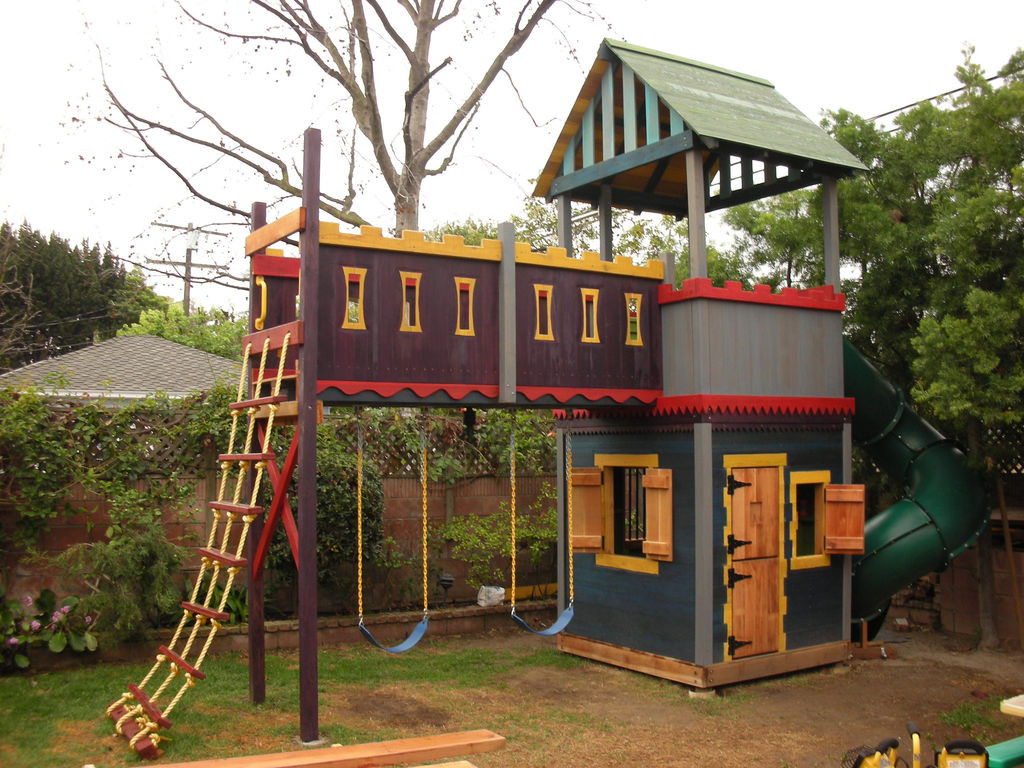 DIY Kids Clubhouse  7 Outdoor Playhouse Ideas your Children are Going to Love