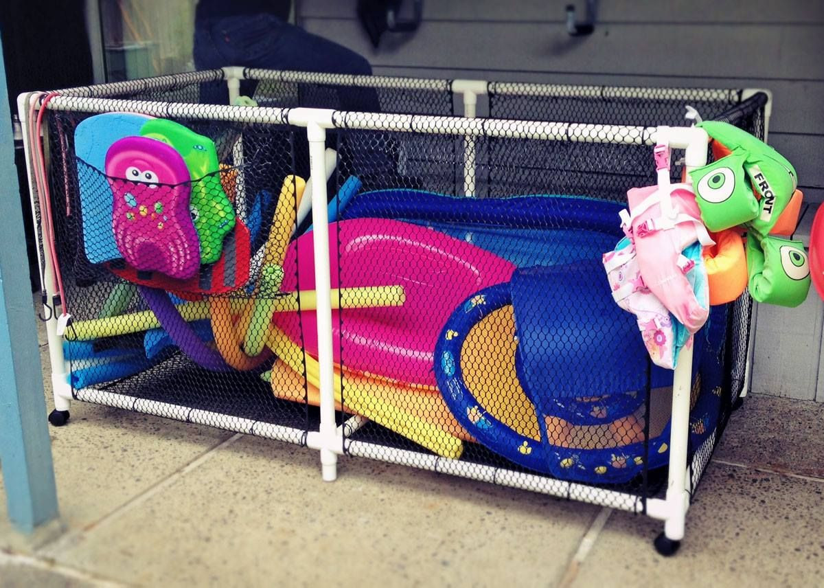 DIY Pool Float Organizer  After searching online forever and not finding what we