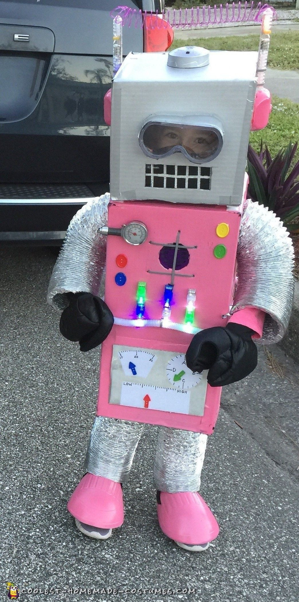 DIY Robots For Kids  Amazingly Adorable DIY Pink Robot Costume