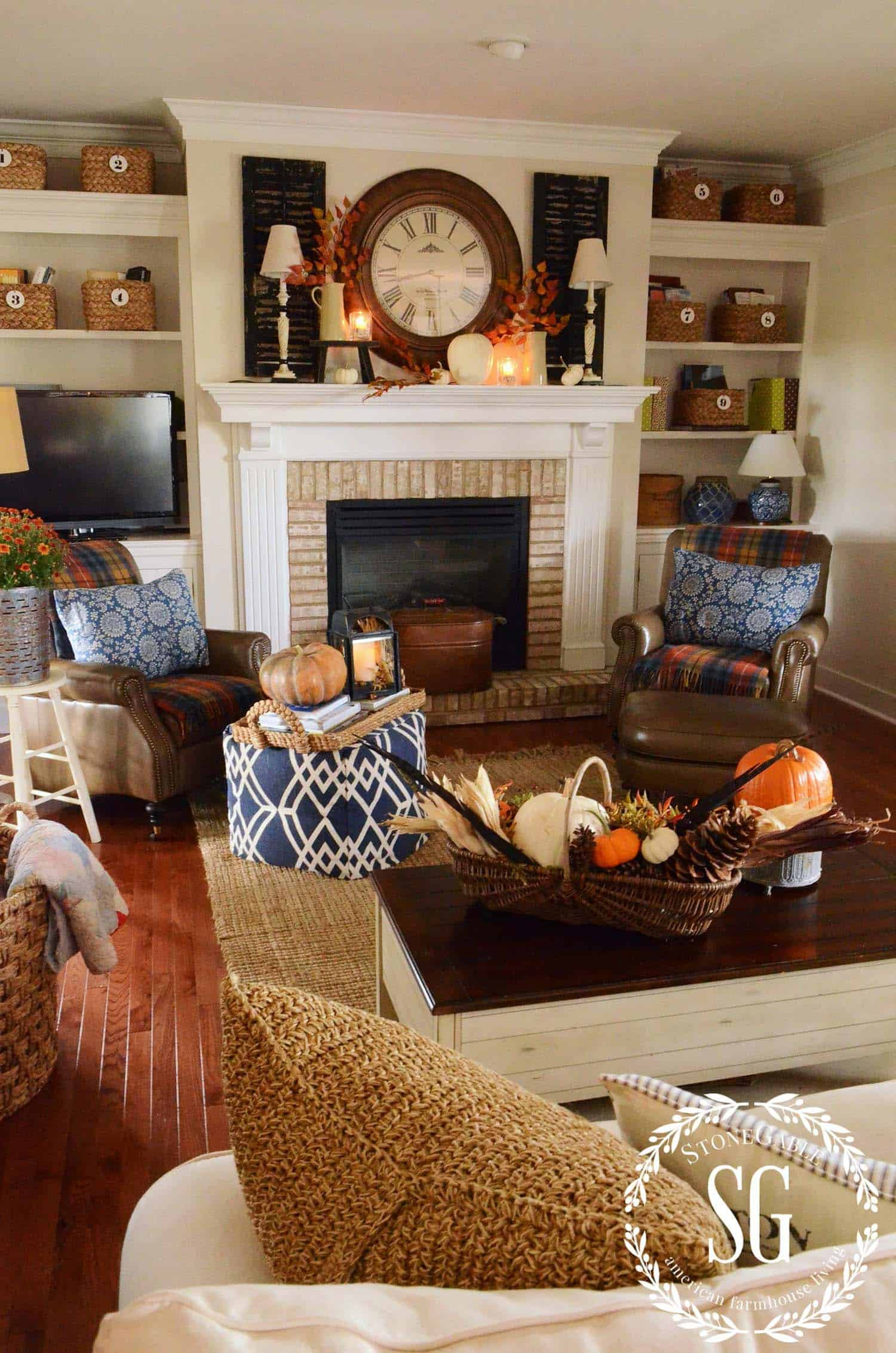 Fall Living Room Decorations  35 Gorgeous fall decorating ideas to transform your interiors