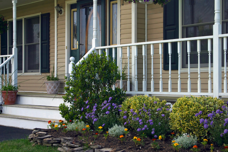 Front Porch Landscape Ideas  31 Amazing Front Yard Landscaping Designs and Ideas