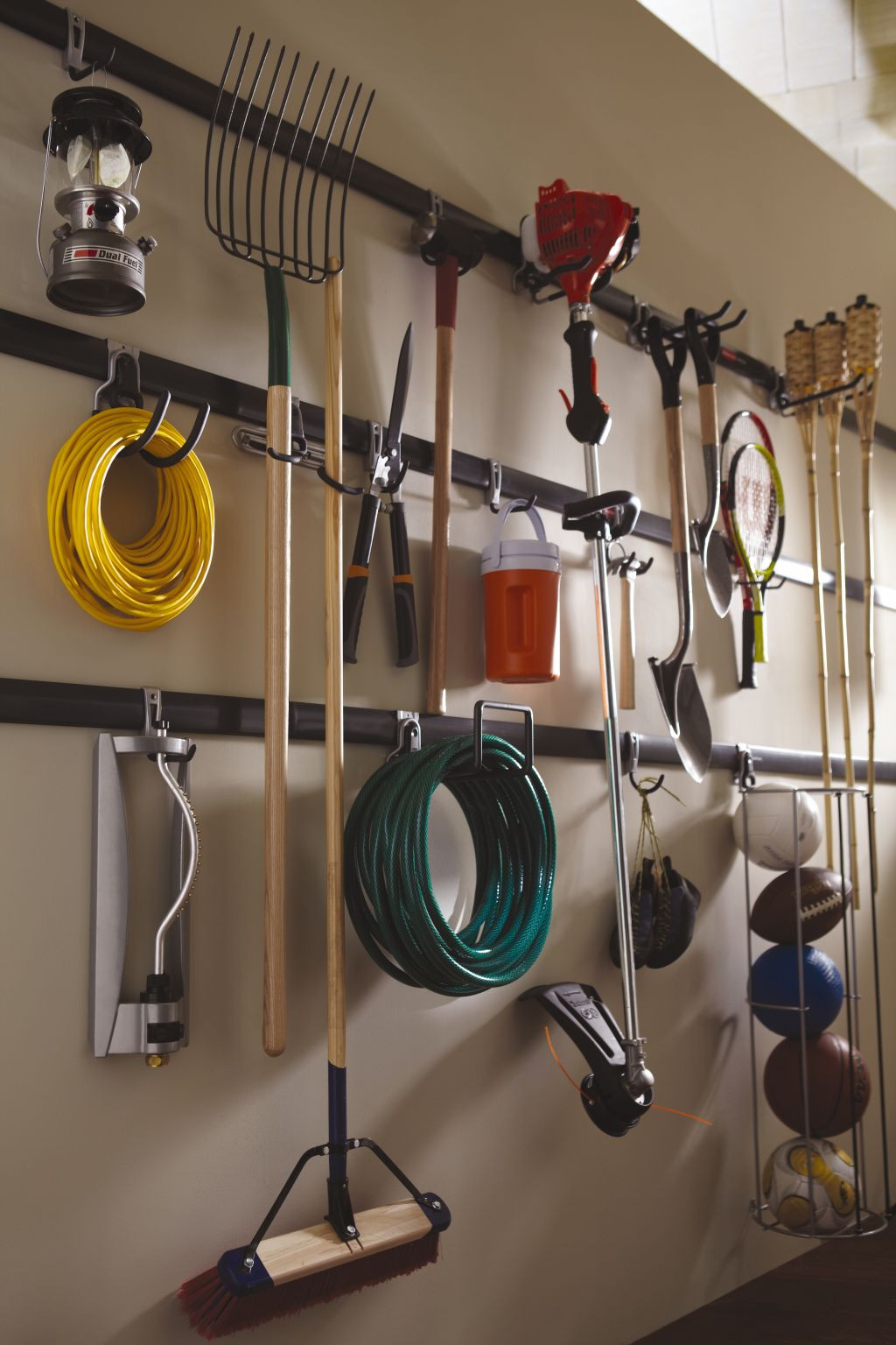 Garage Organization Systems  Time To Sort Out The Mess – 20 Tips For A Well Organized