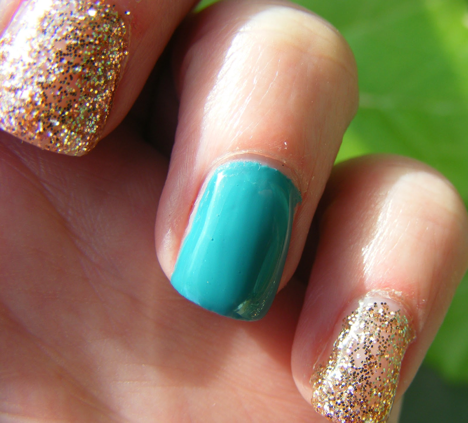 Glitter Gel Nails Pictures  Cosette s Beauty Pantry Nails The Day NOTD Glitter