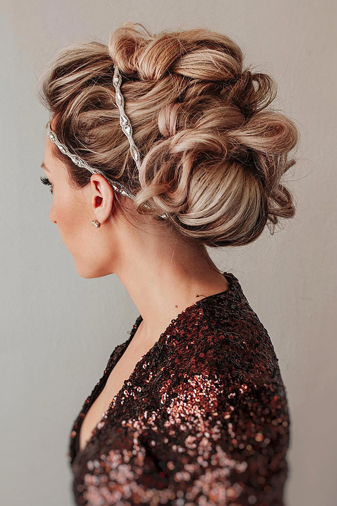 Hairstyles For Shoulder Length Hair For Wedding  25 CAPTIVATING WEDDING HAIRSTYLES FOR MEDIUM LENGTH HAIR