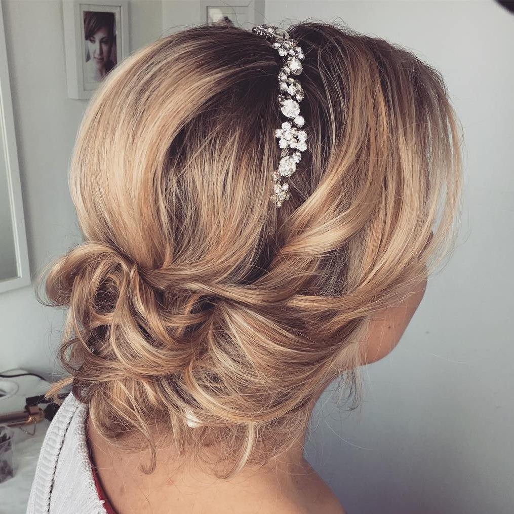Hairstyles For Shoulder Length Hair For Wedding  Top 20 Wedding Hairstyles for Medium Hair