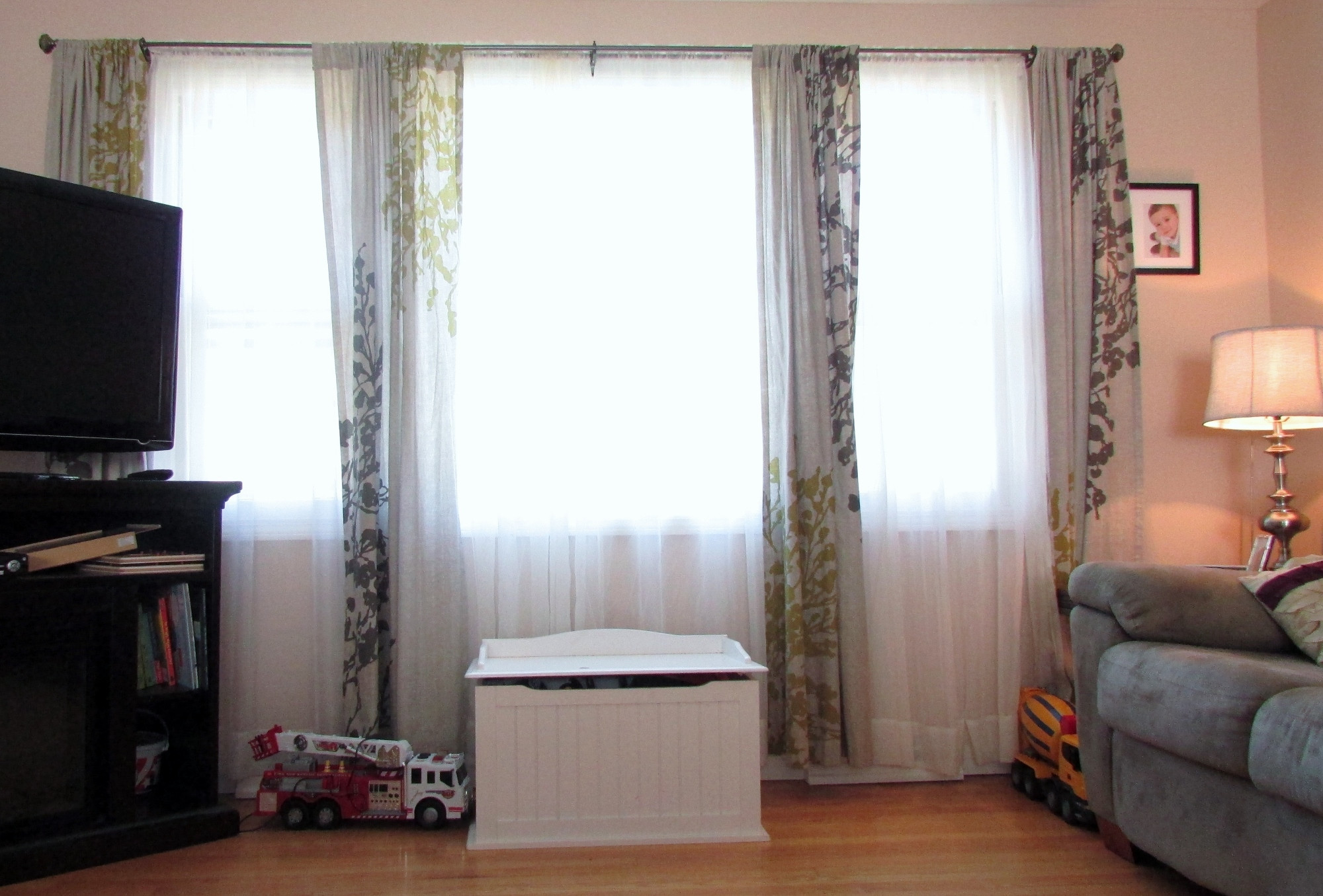 Living Room Window Curtains  How to Choose the Right Window Treatments for Wide Windows