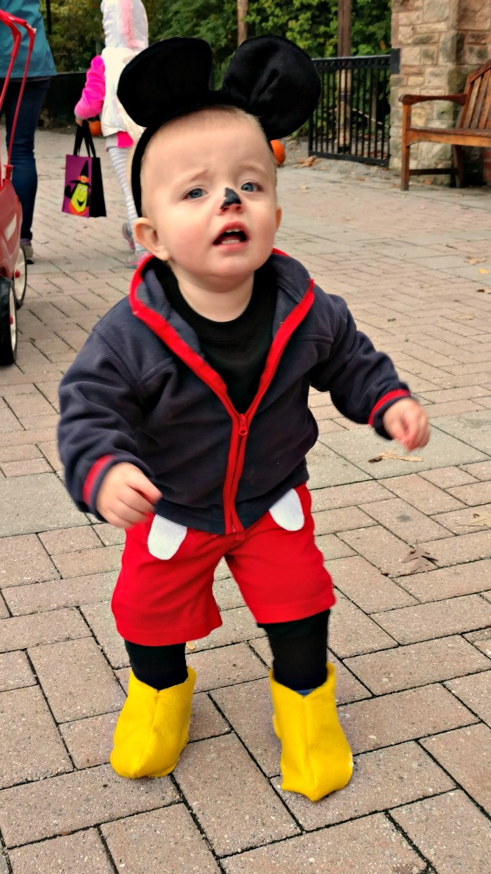 Mickey Mouse Costume DIY  Easy Mickey & Minnie Mouse Halloween Costumes – Our Home