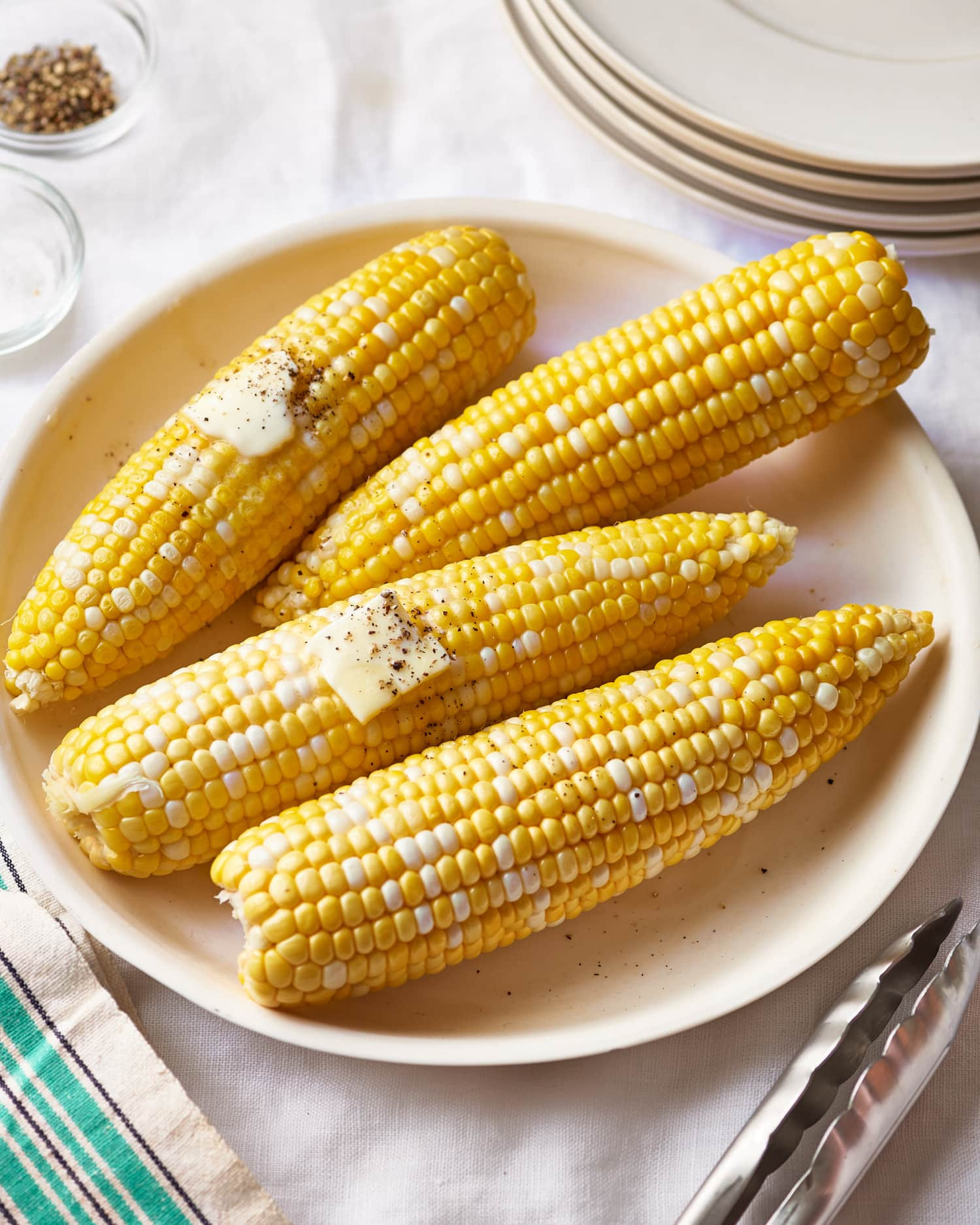 Microwave Corn On The Cob In Husk  How To Cook Corn on the Cob in the Microwave