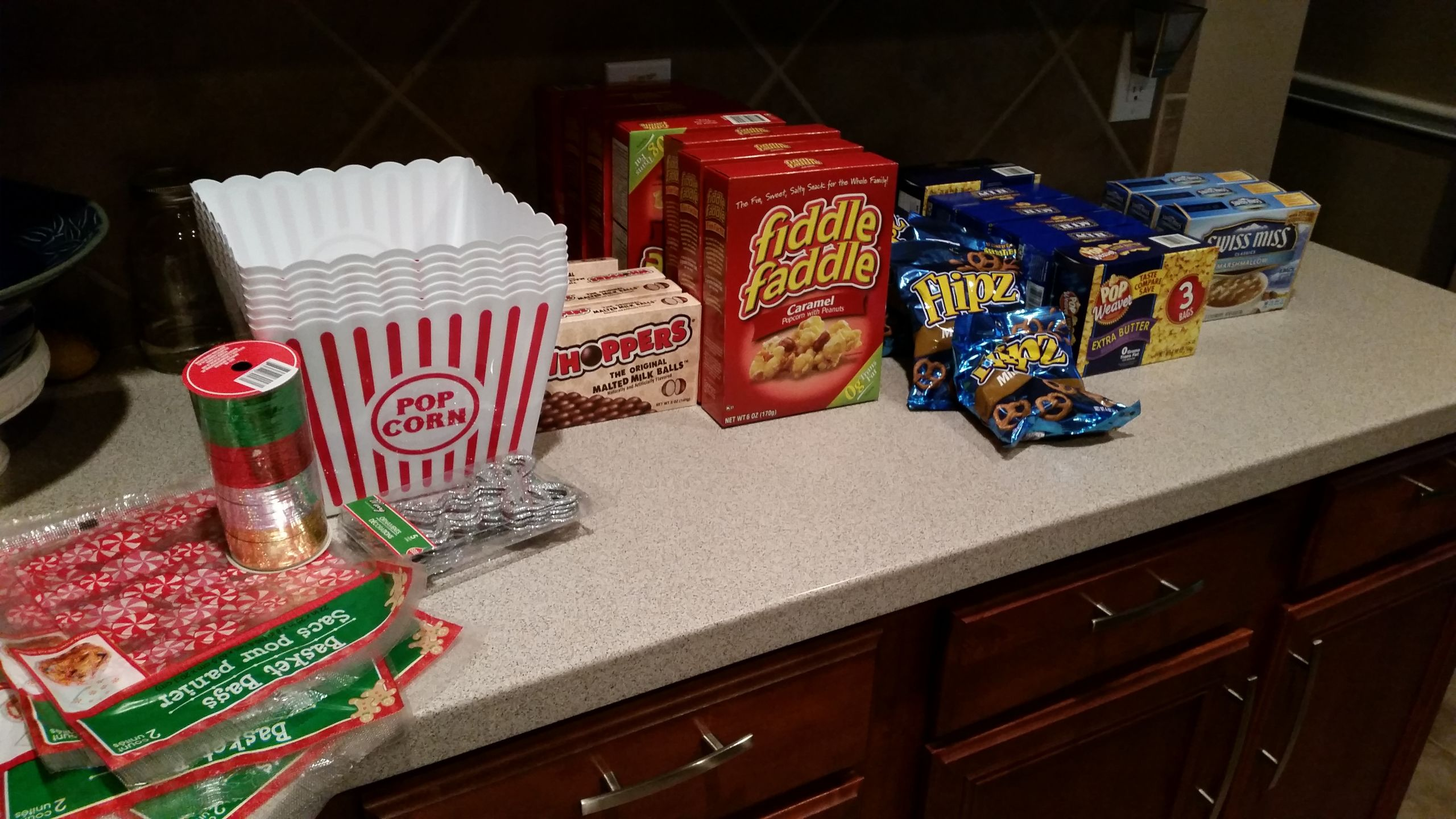 Movie Gift Basket Ideas  DIY Gifts for Teachers Neighbors and Co workers – Movie