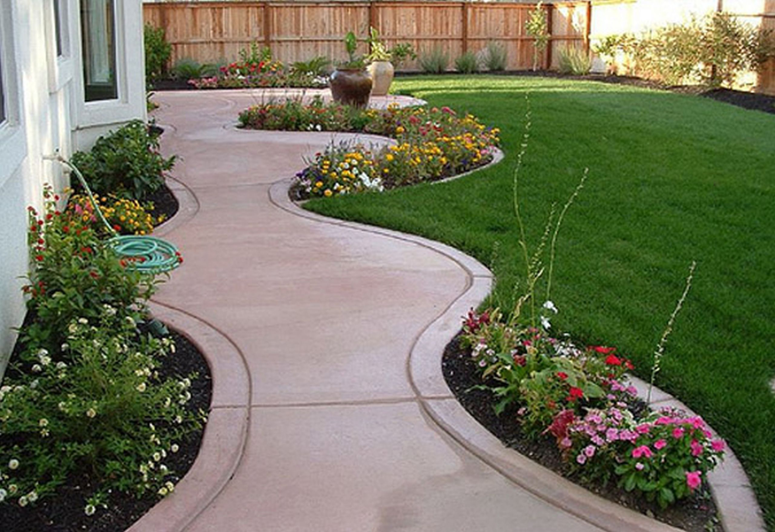 Outdoor Landscape On A Budget  Outdoor Landscaping Ideas A Bud Home Romantic