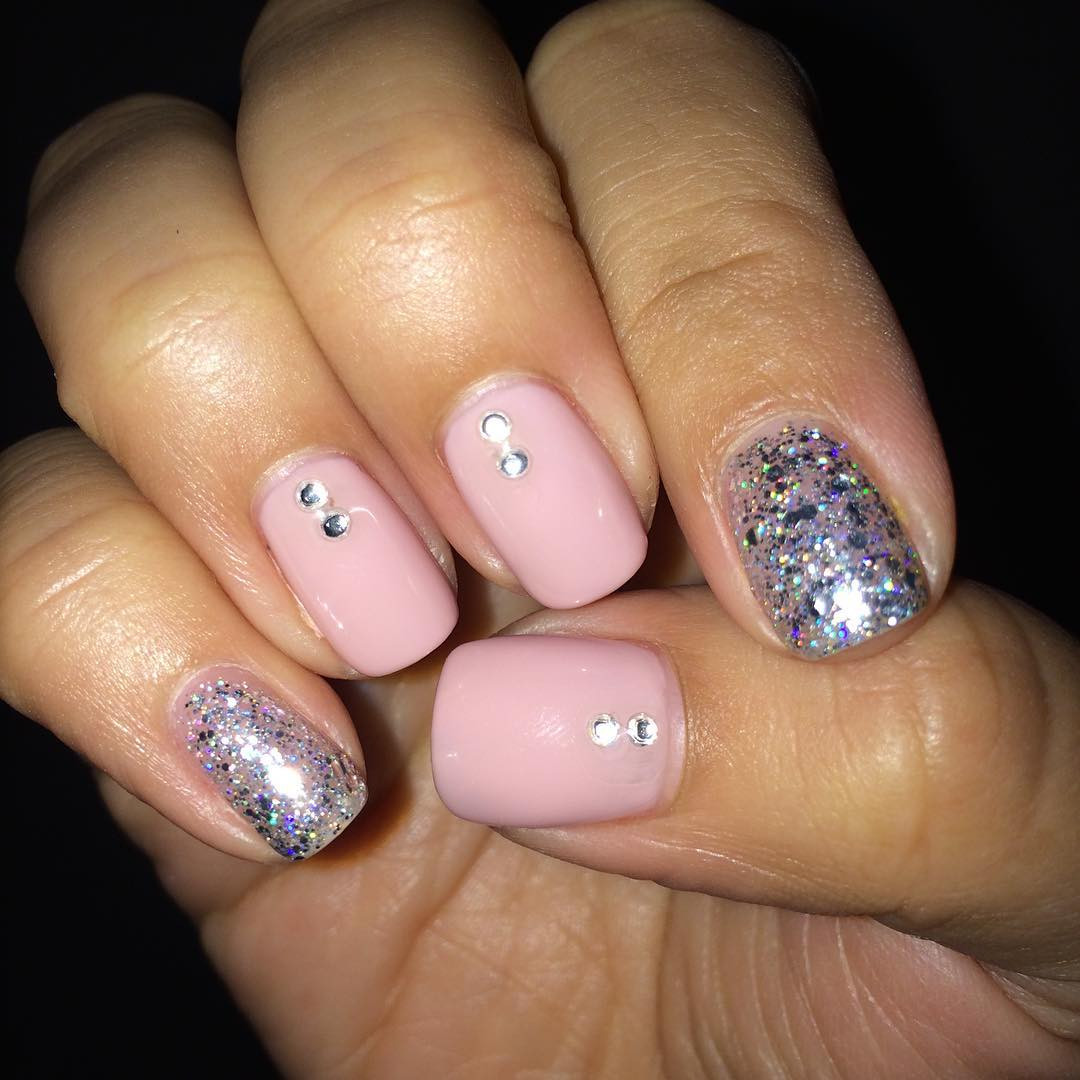 Pink And Glitter Nail Designs  29 Pink and Silver Nail Art Designs Ideas