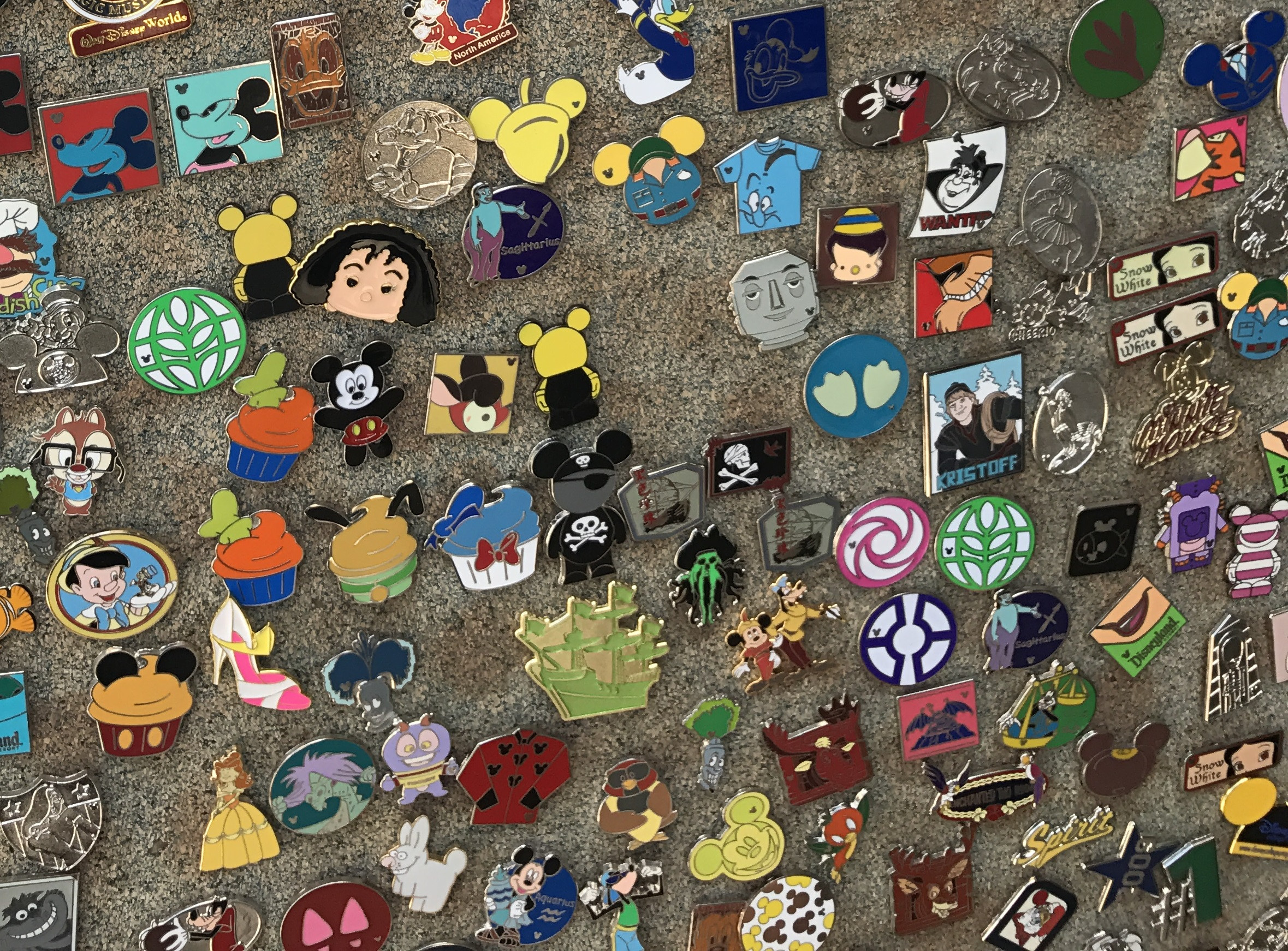 Pins Collection  Five Essential Newbie Pin Trading Tips TravelingMom