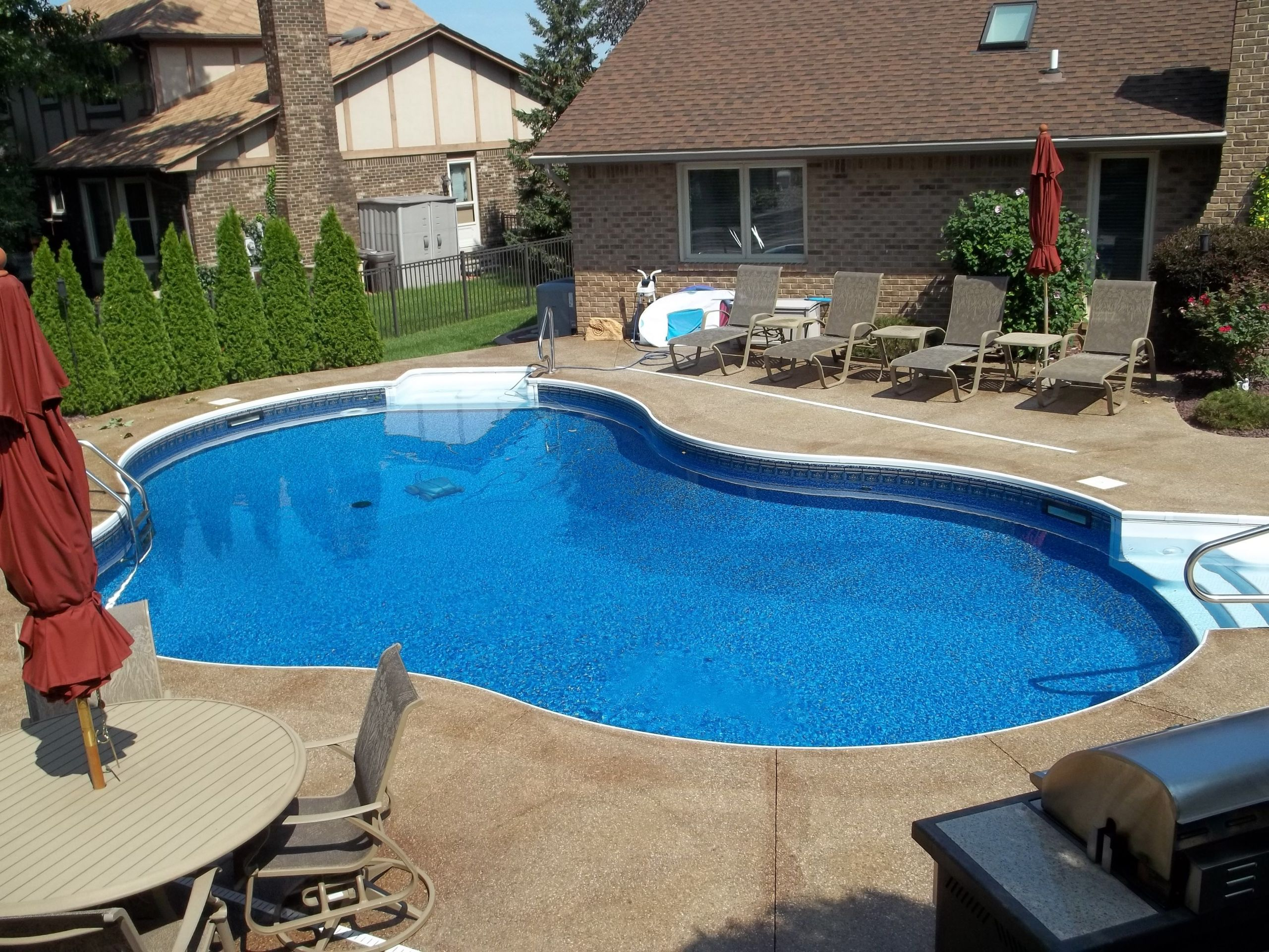 Pool Images Backyard  Backyard Pool Design with Mesmerizing Effect for Your Home