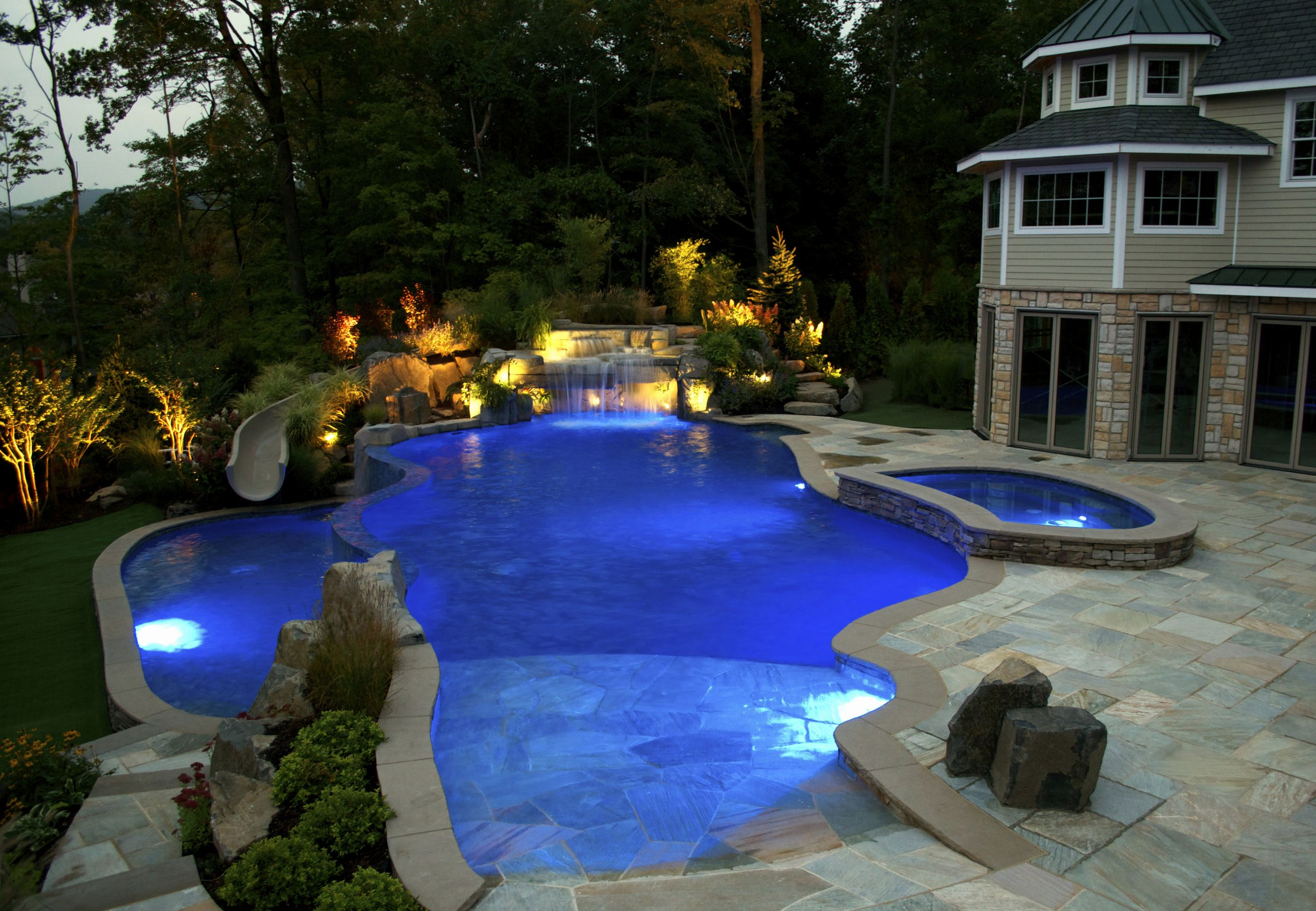 Pool Images Backyard  NJ Pool pany Debuts New Pool Features for Luxury