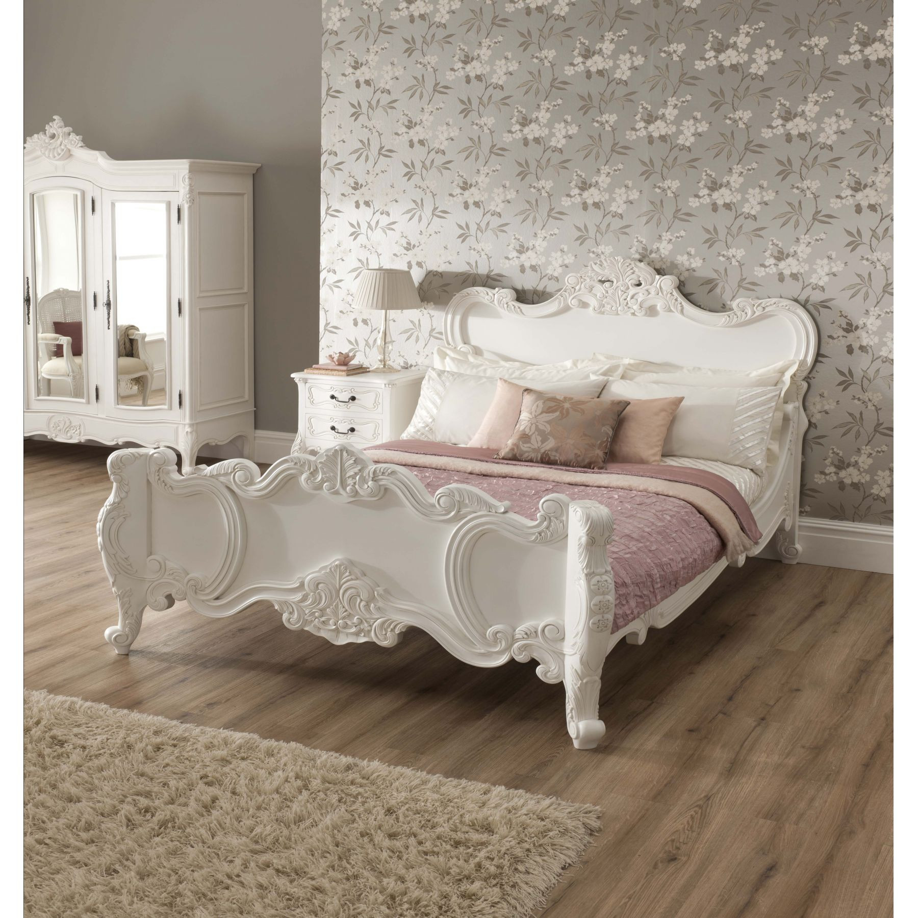 Shabby Chic Bedroom Furniture  Vintage Your Room with 9 Shabby Chic Bedroom Furniture