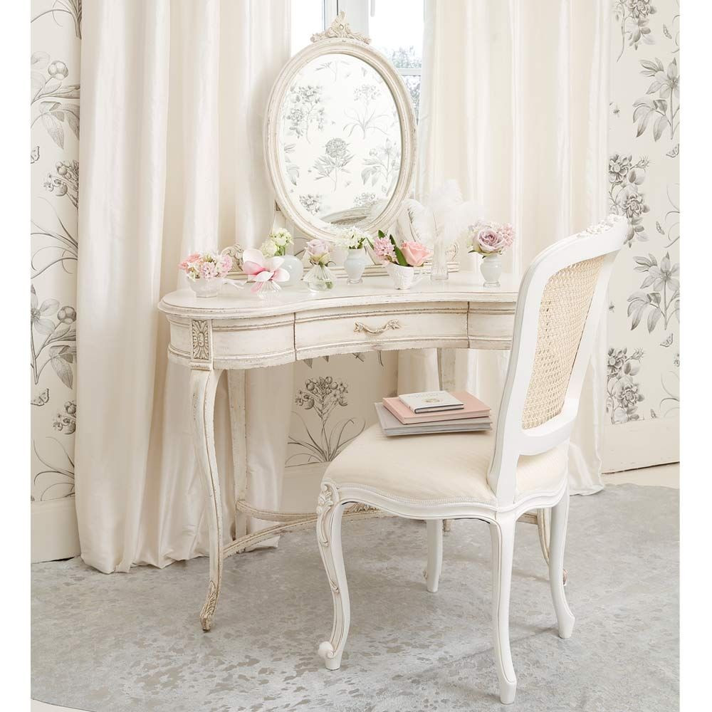 Shabby Chic Bedroom Furniture  Simply Shabby Chic Furniture for Your Interior Design