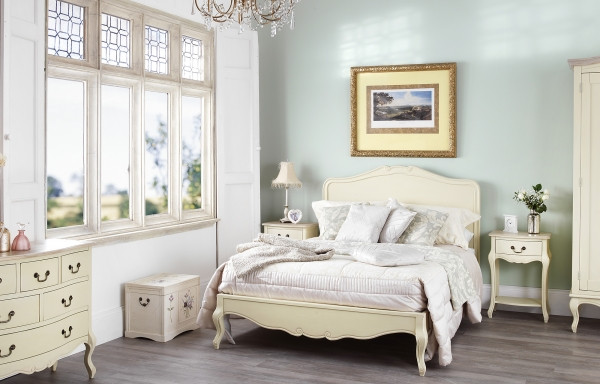 Shabby Chic Bedroom Furniture  Shabby Chic Bedroom Collection