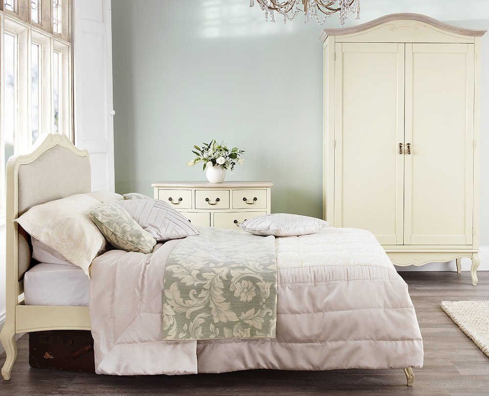 Shabby Chic Bedroom Furniture  Shabby Chic Champagne Upholstered 6FT Super King Bed