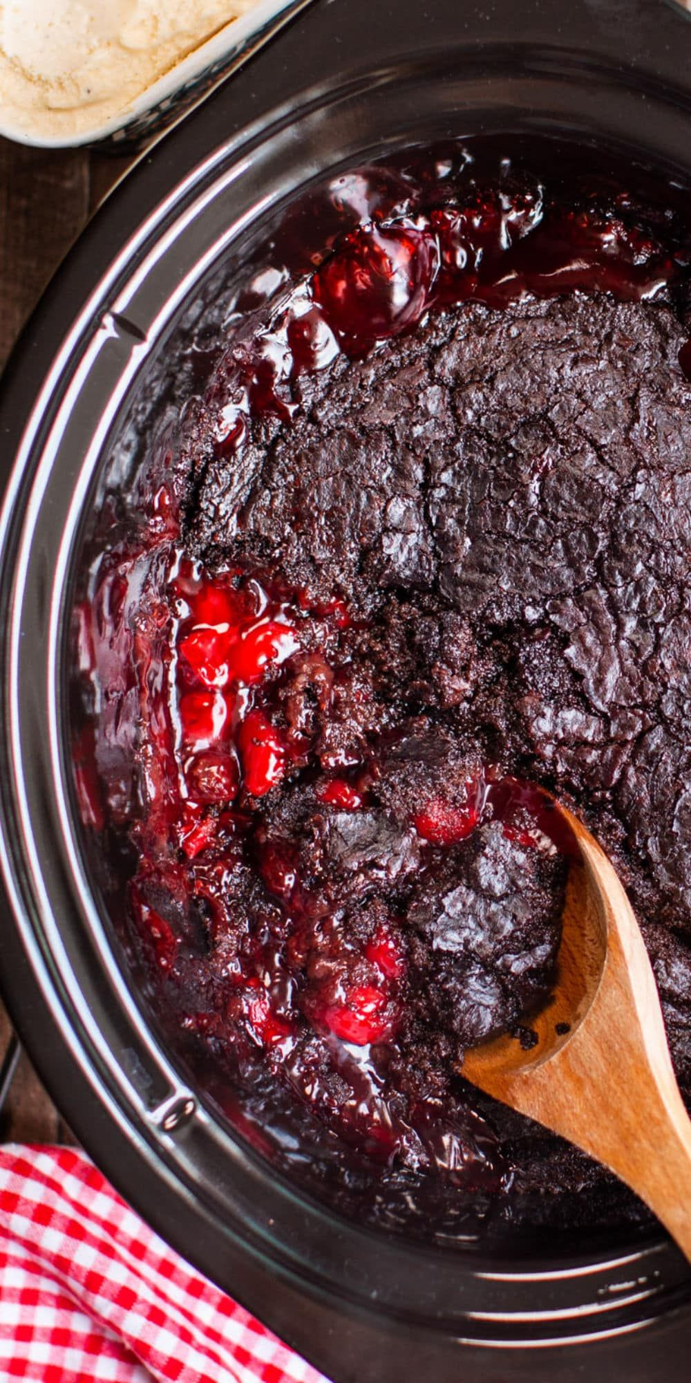 Slow Cooker Cake Recipes With Yellow Cake Mix  Slow Cooker Chocolate Cherry Dump Cake