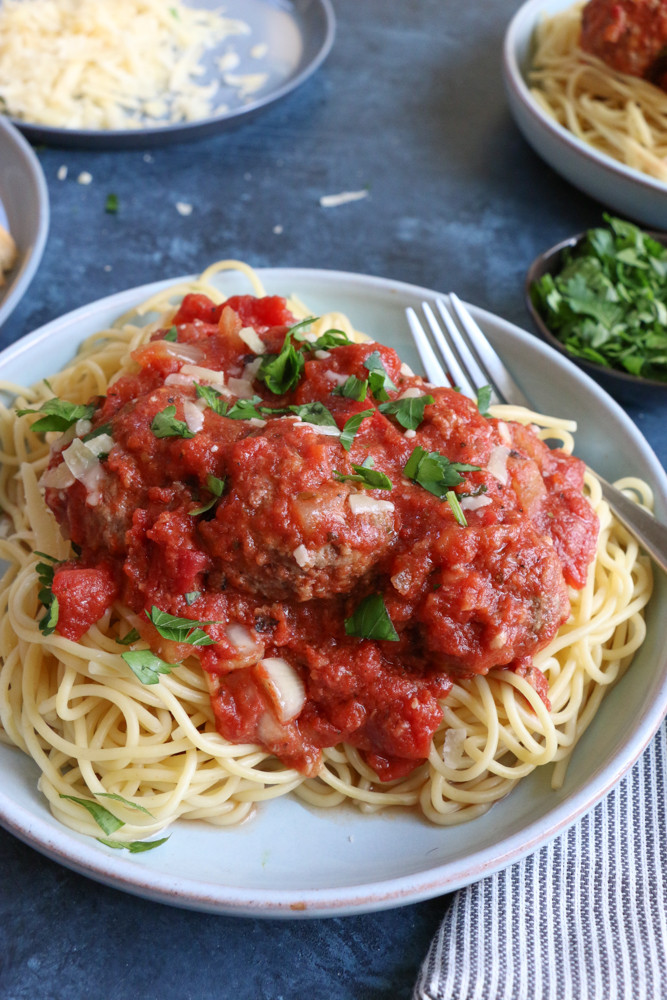 Slow Cooker Spaghetti And Meatballs  Slow Cooker Spaghetti and Meatballs Hip Foo Mom
