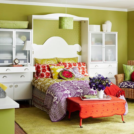 Small Bedroom Solutions  2014 Smart Storage Solutions for Small Bedrooms