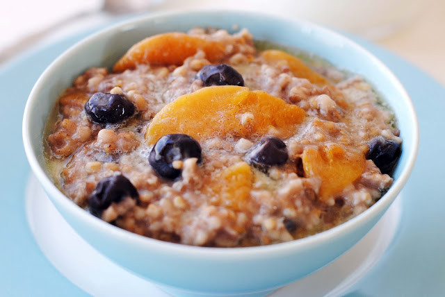 Steel Cuts Oats In Slow Cooker  Slow Cooker Steel Cut Oats with Blueberries and Peaches