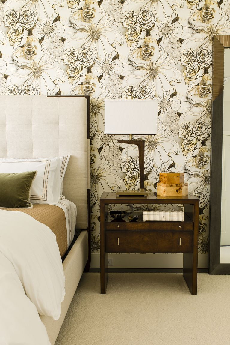 Wall Pictures For Bedroom  30 Bedrooms with Statement Wallpaper