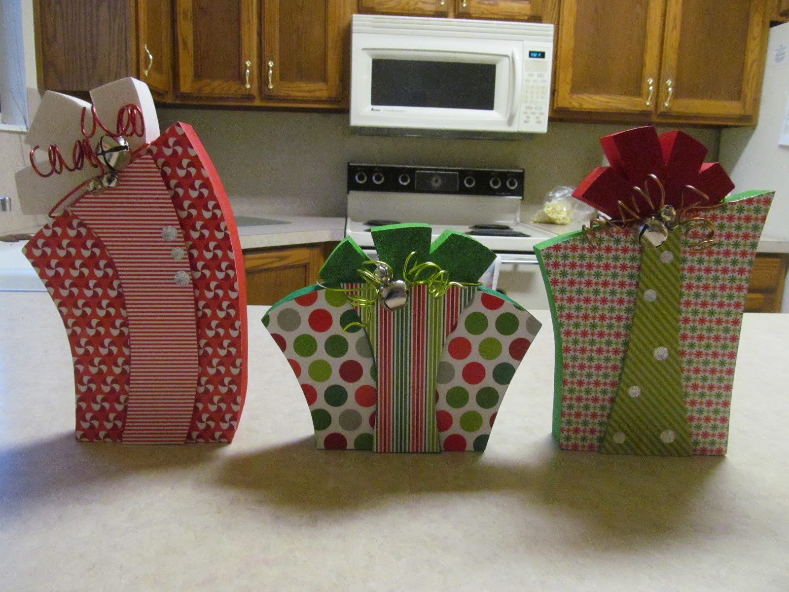 Wood Crafting Gifts  WOOD Creations Christmas Present Wood Craft Tutorial by