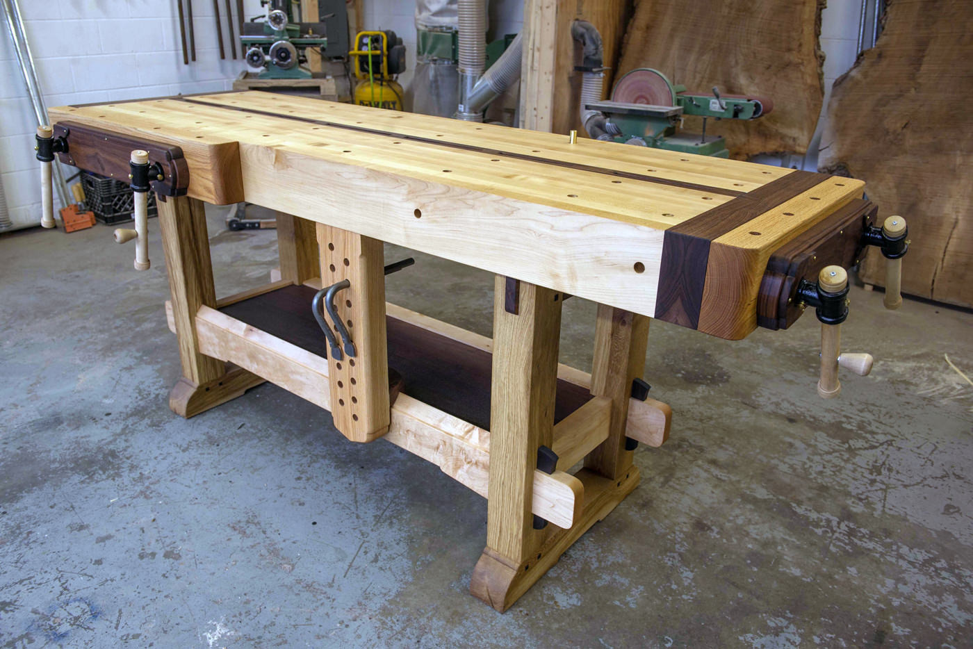 Woodwork DIY Network  Could This Be The Ultimate Woodworking Workbench Walden